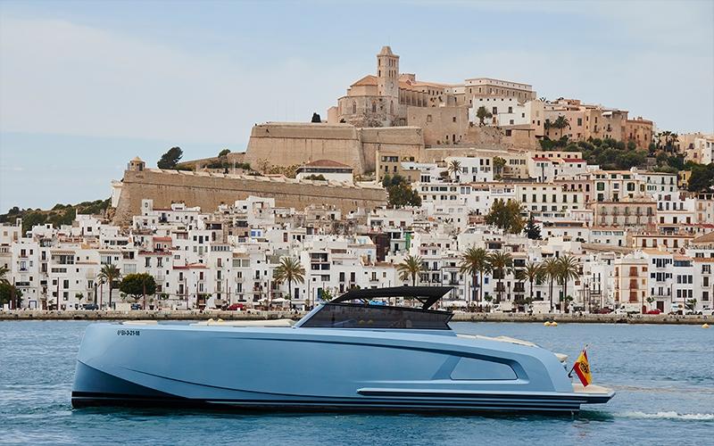 La APB anuncia un espacio para barcos chárter en el puerto de Ibiza