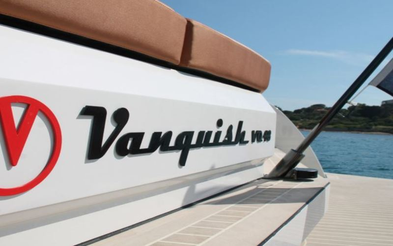 Vanquish Yachts en Ibiza... Not for everyone!